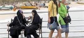 گردشگران خارجی هم امر به معروف و نهی از منکر می شوند